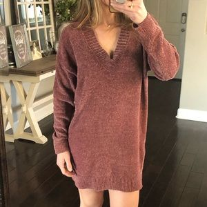Express mauve V-neck sweater dress